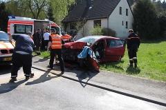 2010-04-23_unfall_zwischen_bus_und_pkw_1_20100429_1565658408