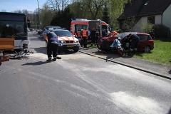 2010-04-23_unfall_zwischen_bus_und_pkw_3_20100429_1457834523