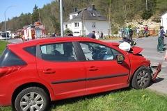 2010-04-23_unfall_zwischen_bus_und_pkw_9_20100429_1089227850