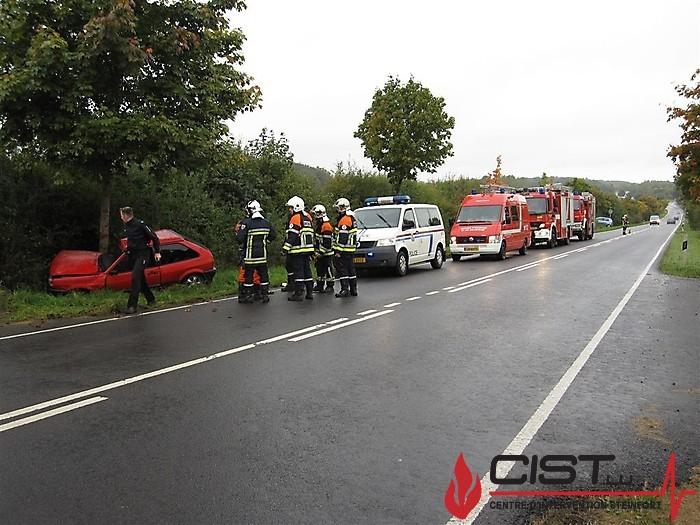 2010-09-26_unfall_zwischen_garnich_und_windhof_20100926_1240113931