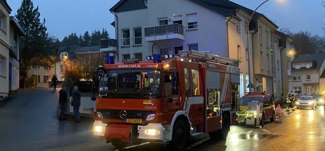 Feuer/Rauch PKW in Tiefgarage